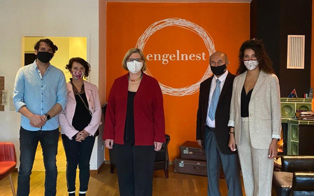 Angelika Schöttler, Mayor of Schöneberg, visited and meet our founders